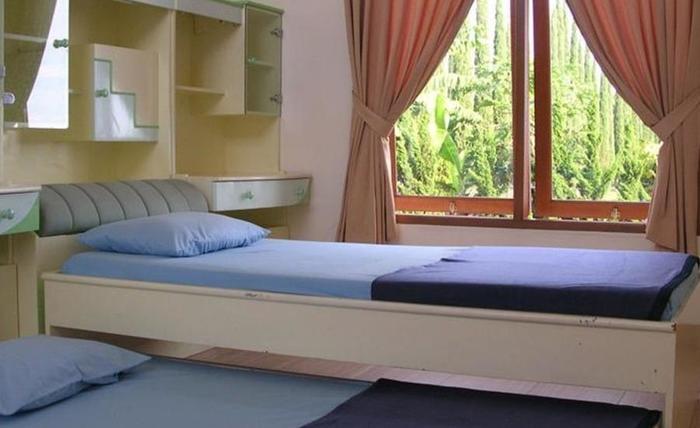 Villa Sophia Cimacan Puncak Cianjur - Kamar tamu