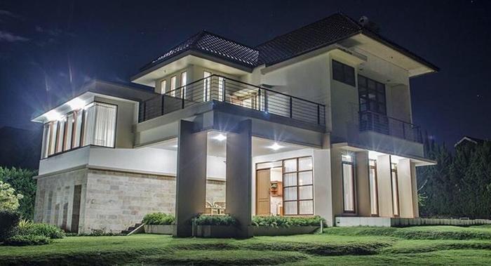 Villa Sophia Cimacan Puncak Cianjur - Villa Malam Hari