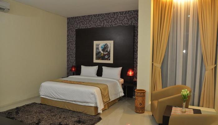 Regina Hotel Pemalang - Deluxe Room