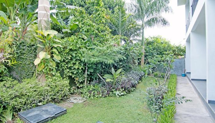 ZenRooms Kerobokan Bimasena Bali - Taman