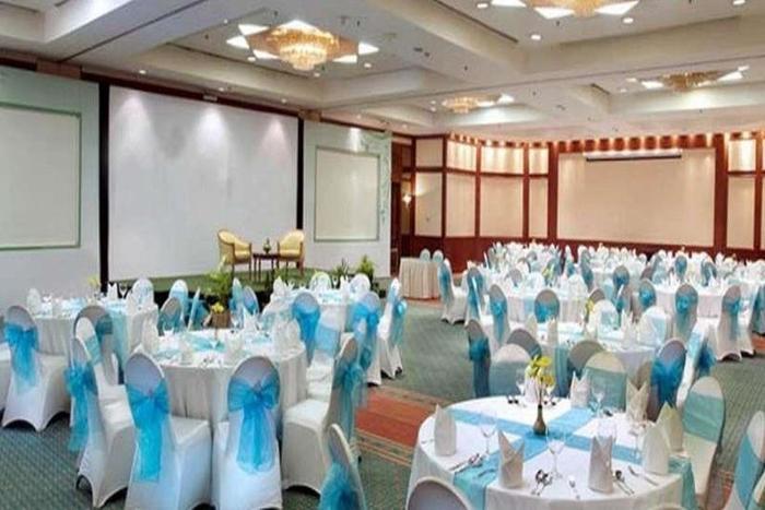 Grand Candi Hotel Semarang - Ballroom