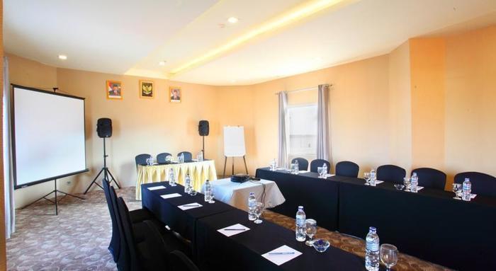 Gino Feruci Hotel Bandung - Ruang Pertemuan
