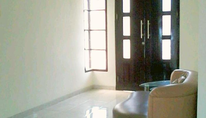 Araya Vacation Home Soekarno Hatta Malang - Ruang keluarga