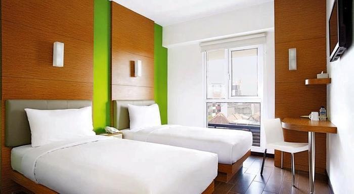 Amaris Hotel Bekasi - Kamar Tidur