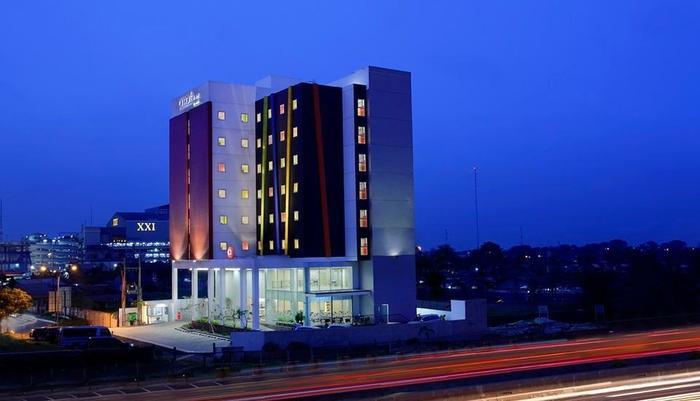 Amaris Hotel Bekasi - Tampilan Luar Hotel