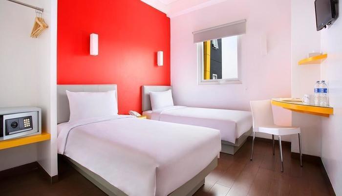 Amaris Hotel Bekasi - Twin Bed