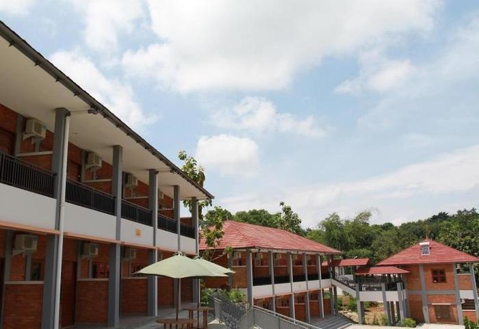Rizen Kedaton Hotel Bogor - Hotel Building