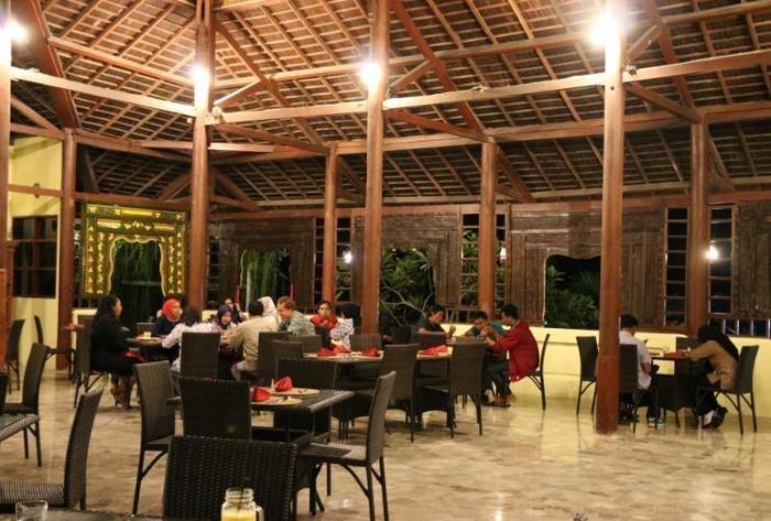 Puri Bunga Beach Cottage Lombok - RESTAURANT