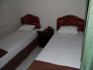 Hotel Fortuna Pare Pare - Kamar Tidur twin