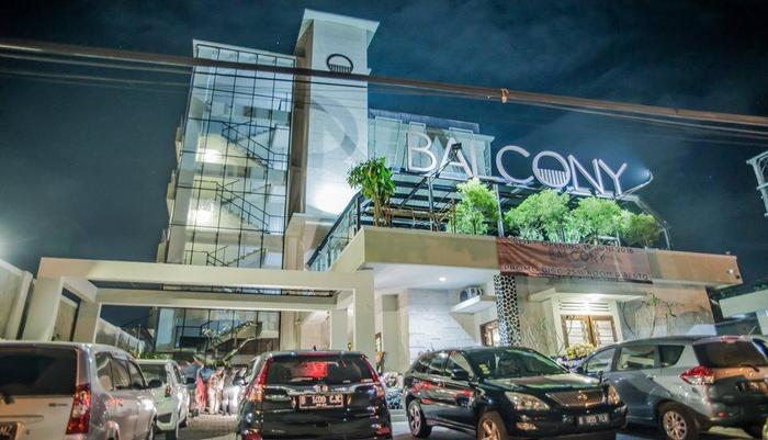 Balcony hotel sukabumi booking murah mulai rp271 157 for Balcony hotel sukabumi