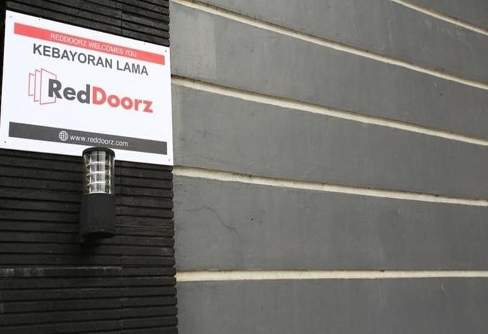 RedDoorz @Kebayoran Lama Jakarta - Eksterior