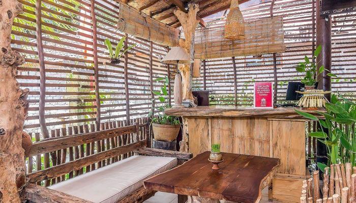 ZEN Premium Ubud Nyuh Bojog Bali - Resepsionis