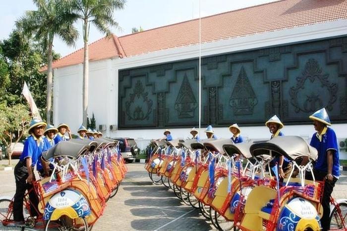 Inna Garuda Hotel Yogyakarta - Becak