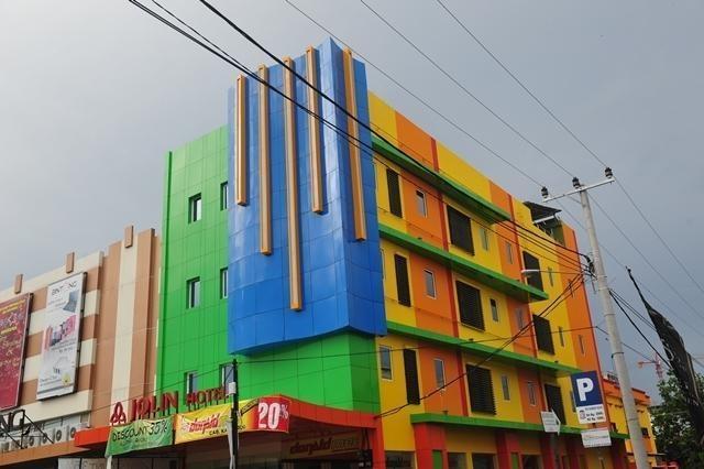 Hotel Jolin Makassar - Appearance