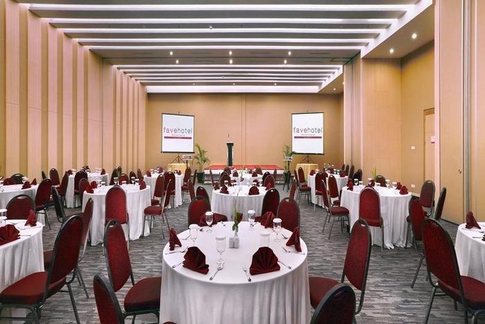 fave hotel Palembang - Ballroom