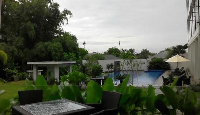 Grand Kecubung Hotel Kotawaringin Barat - Pemandangan Kolam Renang