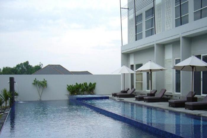 Grand Kecubung Hotel Kotawaringin Barat - Kolam Renang