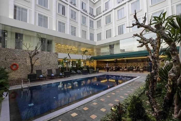 LYNN Hotel Yogyakarta - Kolam Renang