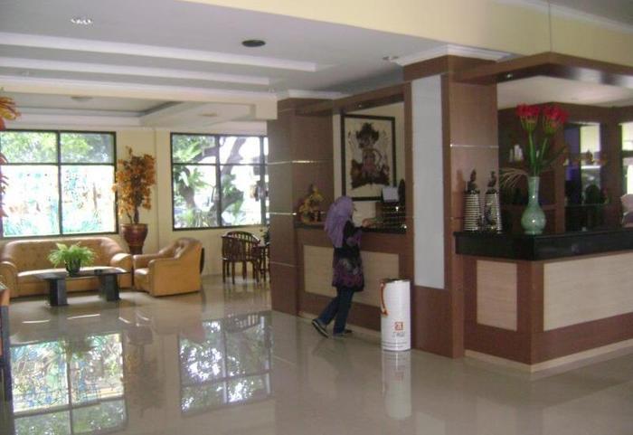 Hotel Tampiarto Probolinggo - Lobi