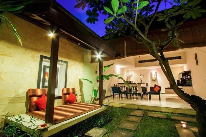 The Rishi Villa Bali - night view