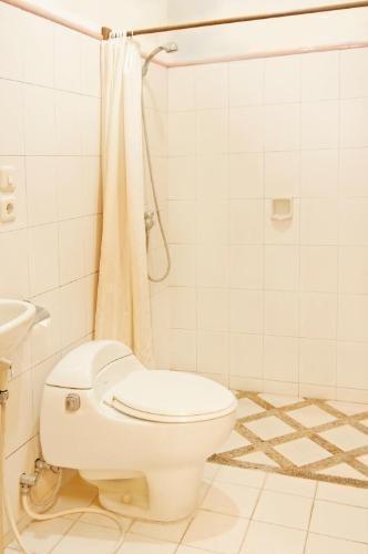 Rumah Asri Bandung - Home Standard Bathroom
