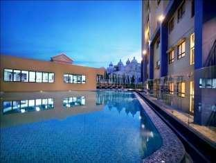 Hotel Atria Serpong - Kolam Renang