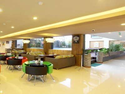 7 Days Premium Kuta - Restoran