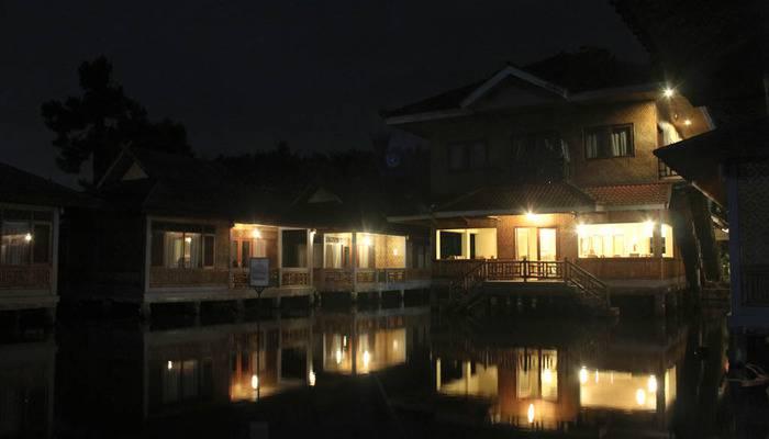 Resort Prima  Cisarua - Saung Kuring Nite