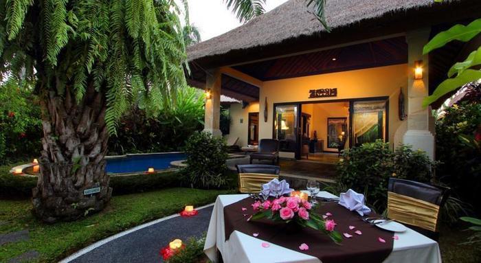 Furama Villas Ubud - Taman dan Kolam Renang