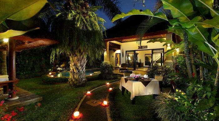 Furama Villas Ubud - Deluxe Pool Villa - in villa dining 1