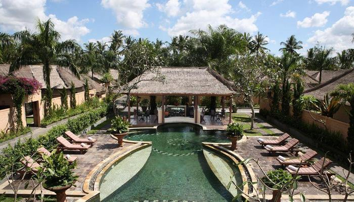 Furama Villas Ubud - Resort's pool and villa overview