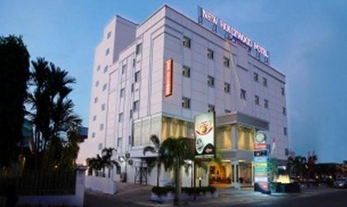 New Hollywood Hotel Pekanbaru - Eksterior