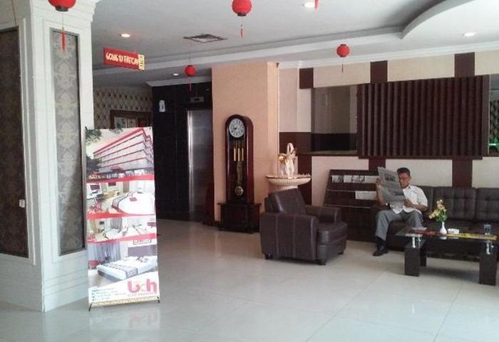New Hollywood Hotel Pekanbaru - Lobi