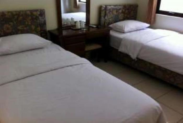 Sakura Guest House Bandung - Deluxe Room