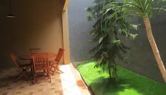 Hotel Ibrahim Syariah Simpang Lima Semarang - Taman
