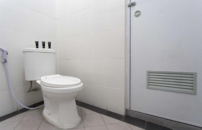 RedDoorz @ Kramat Pondok Pinang Jakarta - Kamar mandi