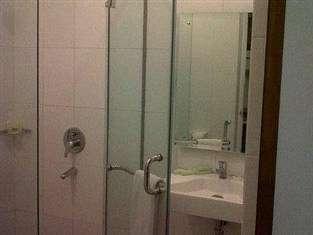 Hotel Orlen Yogyakarta - kamar mandi