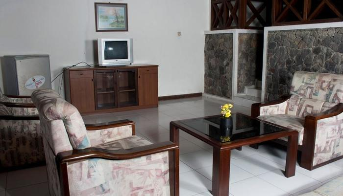 Berlian Resort Cianjur - Ruang tamu