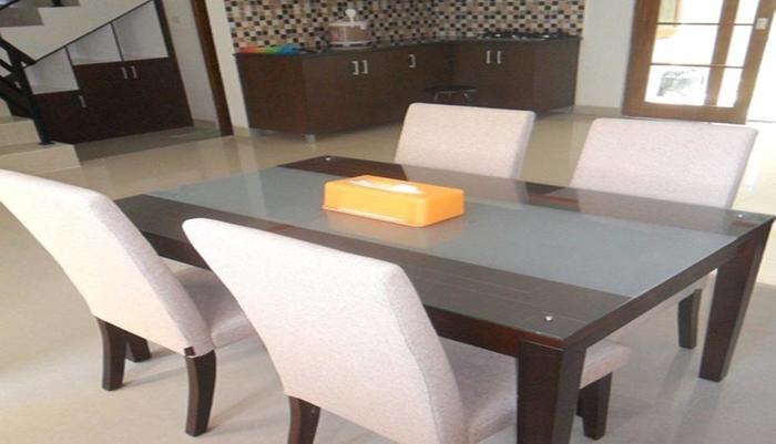 Simply Homy Guest House Alun Alun Kidul Yogyakarta - Ruang makan