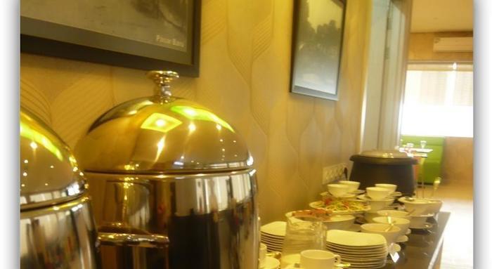 Hotel Dragon Inn Jakarta - 6
