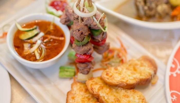Grand Legi Lombok - Food