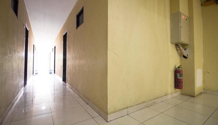 RedDoorz @ Taman Sari Jakarta - Interior