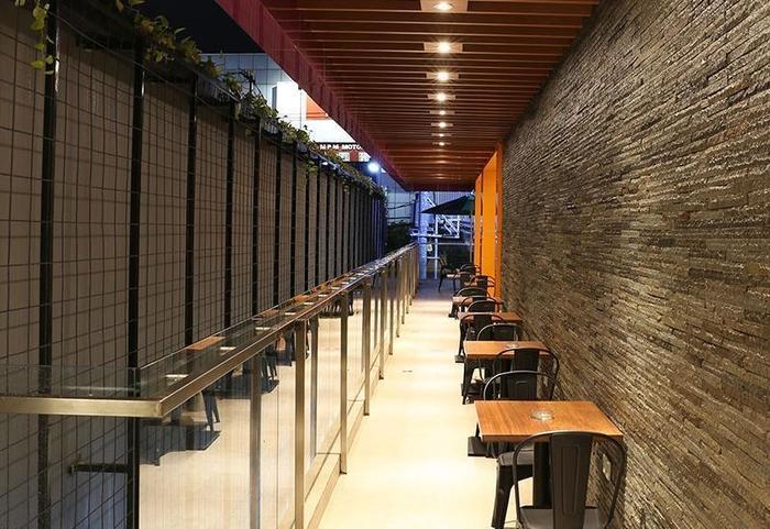 Grand Citihub Hotel @ Kajoetangan Malang - Cafe