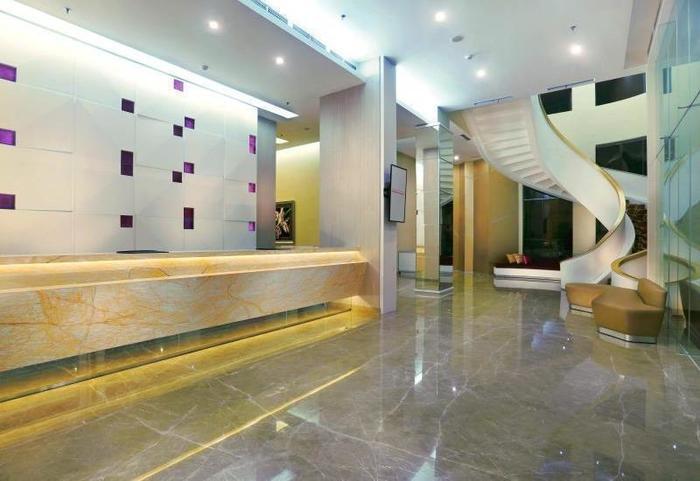 favehotel Puri Indah Jakarta - Lobby Hotel