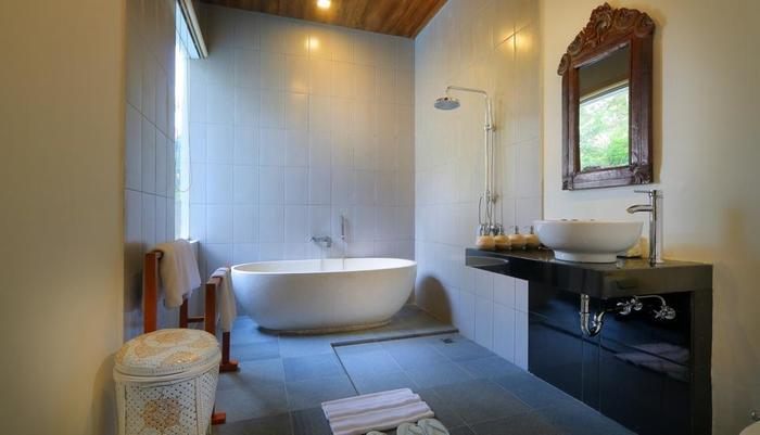 Ashoka Tree Resort at Tanggayuda Bali - Bathroom Two Bedroom Pool Villa