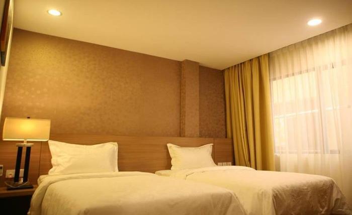 Hana Hotel Batam - Kamar tamu
