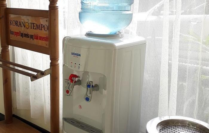 Kenangan Hotel Bandung - Dispenser air panas di setiap lantai
