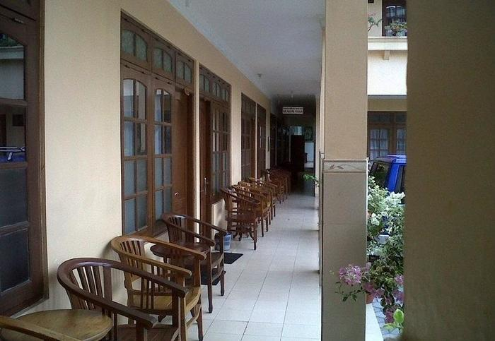 Gloria Amanda Hotel Yogyakarta - Teras