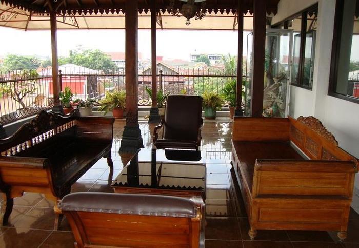Gloria Amanda Hotel Yogyakarta - Lobi