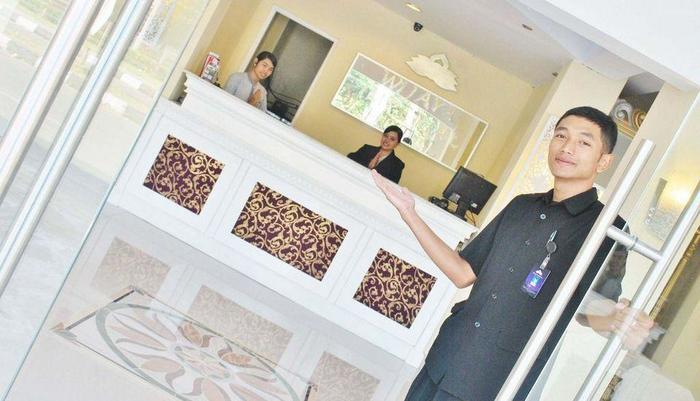 Wijaya Imperial Hotel Yogyakarta - Front Desk